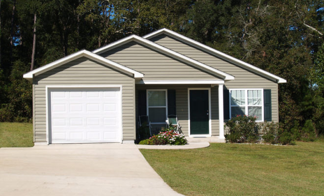 Maintain Vinyl Siding and Keep it Looking Like New